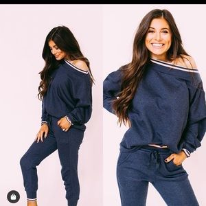Brand new with tags sweatshirt and jogger set L